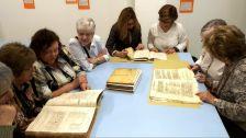 Visita de l'Escola d'Adults a l'Arxiu Històric