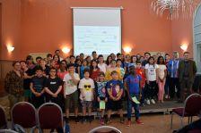 Cloenda del LECXIT: voluntaris, infants i organitzadors