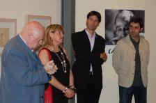 La inauguració va comptar amb les intervencions de l\'alcalde de Caldes, els regidors de Cultura de Caldes i Montcada i el crític d\'art Josep Mª Cadena